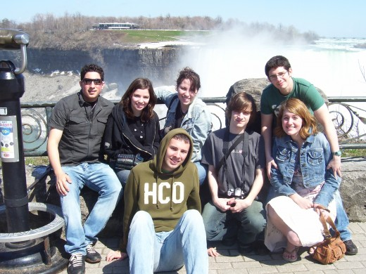 niagara_falls_group_pic.jpg