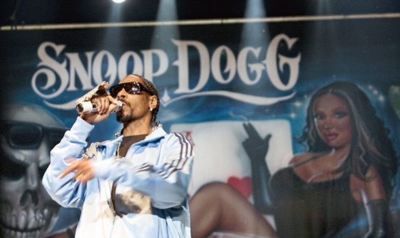 Snoop Dogg at the Gordon Field House