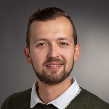 Boris Sapozhnikov headshot