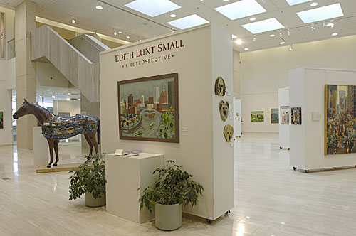 200712/edith_lunt_exhibit.jpg