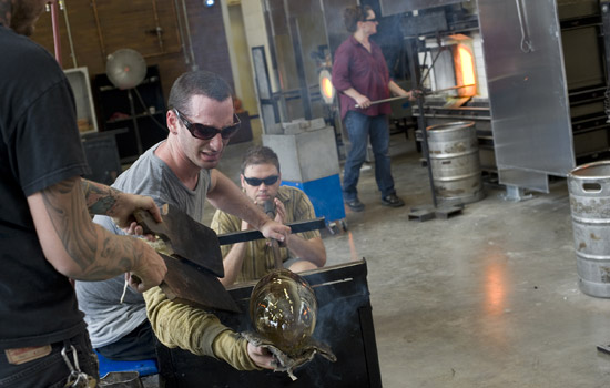 201103/glassblowing.jpg