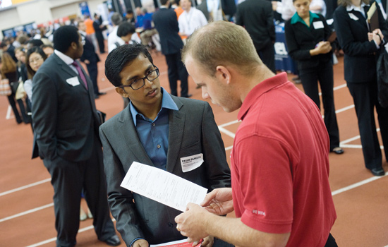201204/career_fair.jpg
