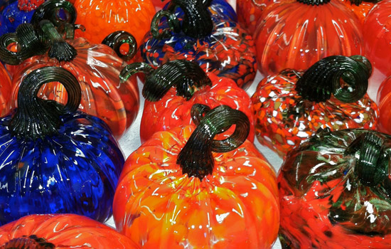 201209/glass_pumpkins.jpg