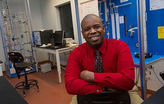 Engineering faculty member honored with National Society of Black Engineers Golden Torch Award