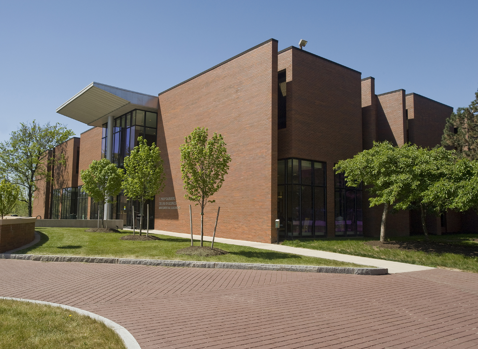 Rochester Institute of Technology Saunders College of Business (Credit: A. Sue Weisler)