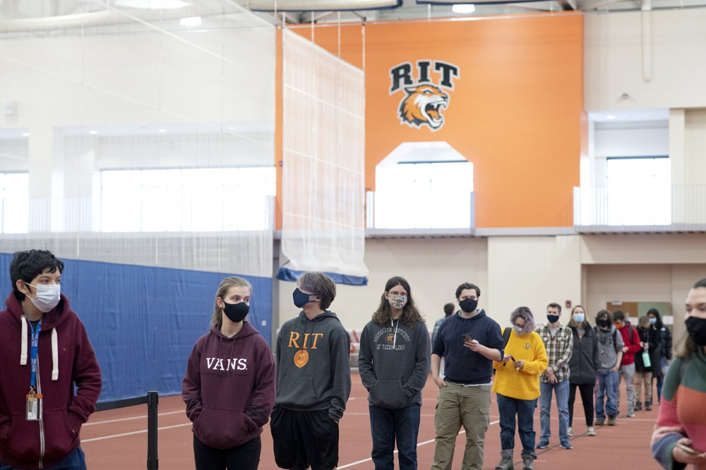 Photo by A. Sue Weisler <br> <p>Students lined up for voluntary, free COVID-19 testing before they left for Thanksgiving break.</p>