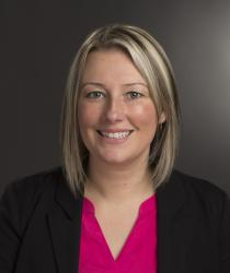 Portrait photo of Erin Halligan-Avery